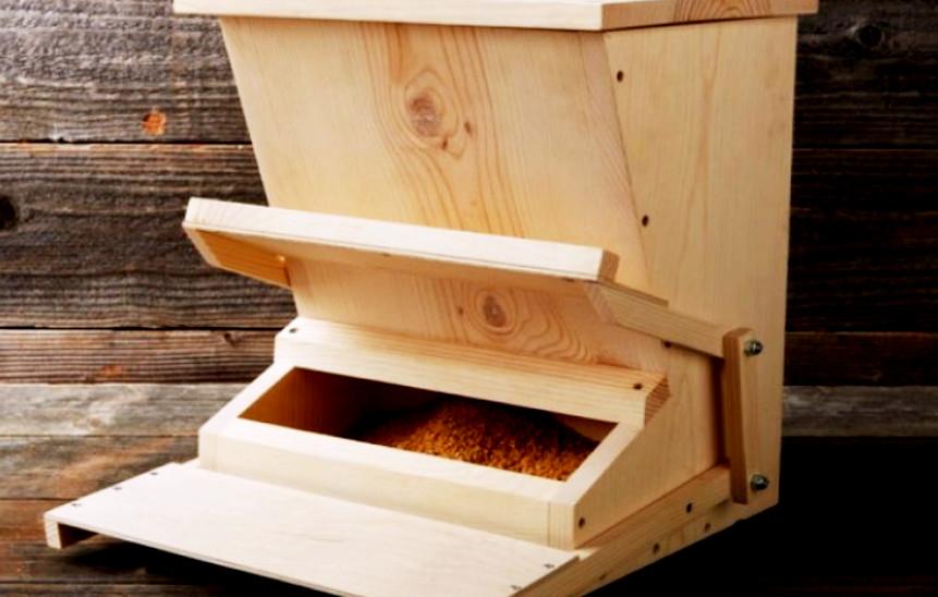 Chicken Feeder Bunker Appliance