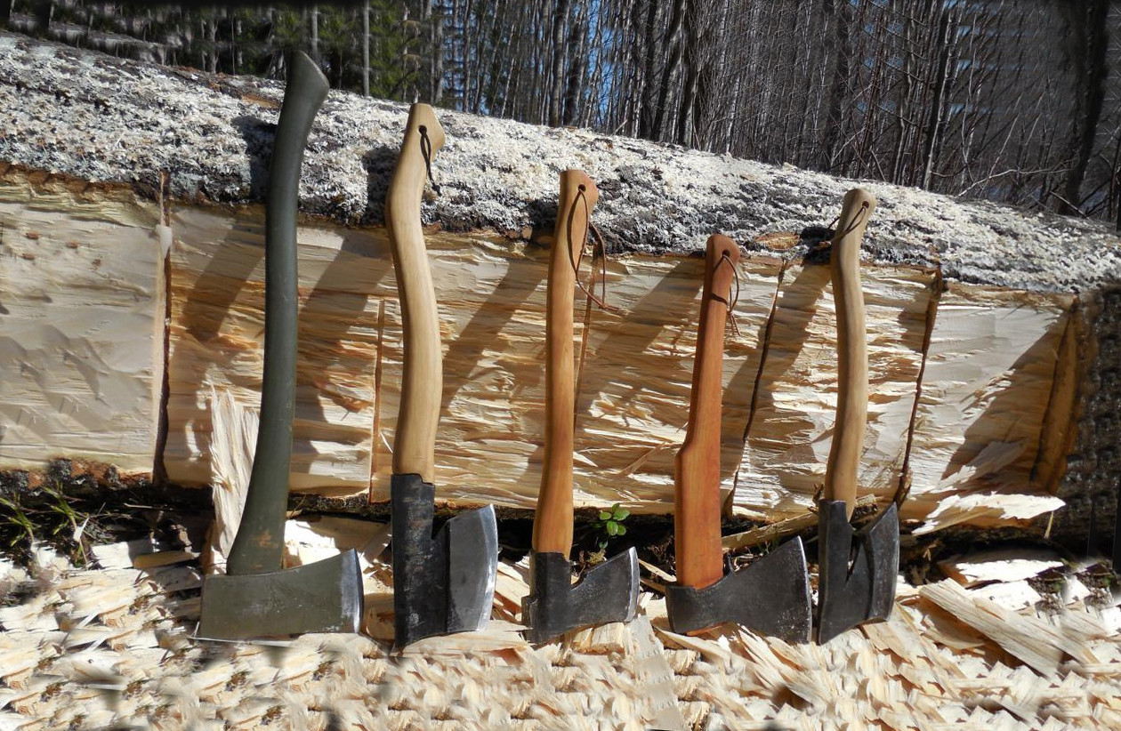 Axe for trees felling