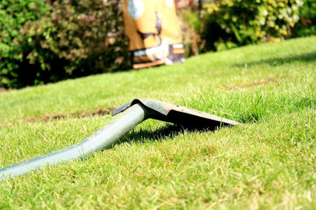 shovel-on-the-grass